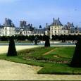 Parigi, che meraviglia! Parigi è una di quelle città che tutte le volte che ritorni ti sembra sempre una città diversa. Qui non vi voglio parlare delle attrazioni celebri di Parigi, come la Tour Eiffel o la Cattedrale di Notre-Dame o i Giardini di Luxembourg, di cui trovate ampie recensioni in vari siti, qui vi voglio parlare di luoghi insoliti, meno celebri, ma non meno ricchi di storia e fascino, come il cimitero delle celebrità Père-Lachaise, le prigioni della Conciergerie, le Catacombe e tanti altri.