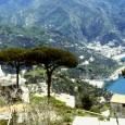 Le vedute paesaggistiche della e dalla Costiera Amalfitana sono impareggiabili e uniche; un po' ricorda la costa delle Cinque Terre in Liguria, ma l'atmosfera ad Amalfi, Ravello e dintorni è un'altra cosa. La Costiera Amalfitana è Patrimonio dell'Umanità protetto dall'UNESCO quale esempio di paesaggio mediterraneo, con un scenario di grandissimo valore culturale e naturale dovuto alle sue caratteristiche spettacolari ed alla sua evoluzione storica.
