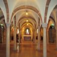 Il complesso monastico benedettino di Nonantola, provincia di Modena, è di grande valore storico ed architettonico, soprattutto la cripta e le absidi, da non perdere per l'originalità, anzi l'unicità.