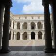 """Modena ha quattro gioielli: il Duomo e la torre Ghirlandina, il Palazzo Ducale, la Ferrari e l'aceto balsamico. Storia, arte, motori e cucina, un mix per tutti i """"gusti"""". Modena è anche la città di Ciro Menotti, il grande patriota carbonaro dell'Ottocento."""