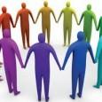 """La psicologia sociale studia gli individui in rapporto con altri individui ed il suo padre fondatore è George Herbert Mead. In questo articolo trovi una carrellata delle principali teorie e delle sue pratiche applicazioni; dall'ambiente sociale che diventa spazio mentale di Lewin, all'introduzione del concetto di """"contesto"""" di Asch, dallo studio delle rappresentazioni sociali di Moscovici, alla teoria dell'identità sociale di Tajfel."""