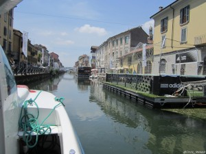 Milano, navigazione sul Naviglio Grande