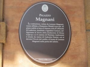 Palazzo Magnani, Bologna, targa segnaletica all'ingresso