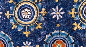 Ravenna, Mausoleo Galla Placidia, interno mosaico fiori stilizzati